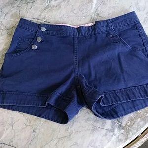 Vinyard vine shorts